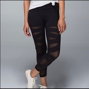 GUC Lululemon Black Mesh Cut Out Leggings Size 4